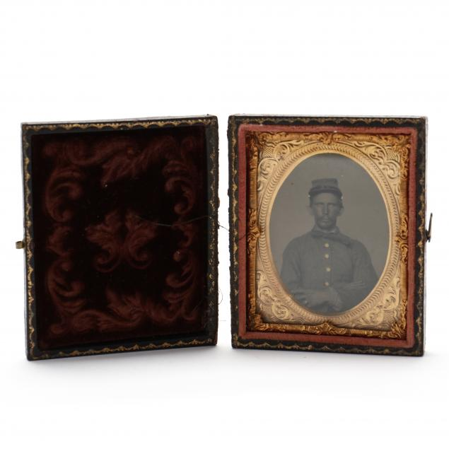 ninth-plate-cased-ambrotype-of-confederate-soldier