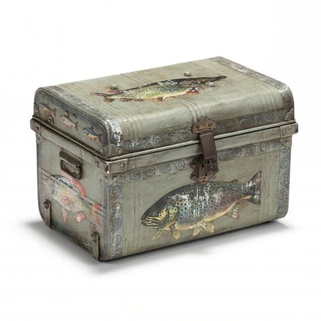 antique-decoupaged-trunk