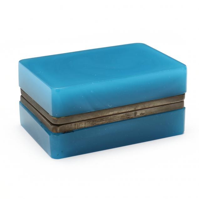 blue-opaline-dresser-box