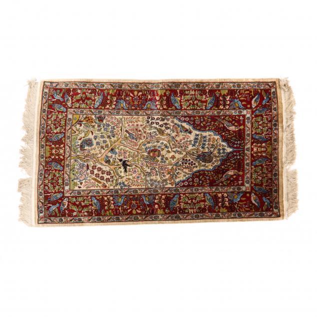 silk-prayer-rug