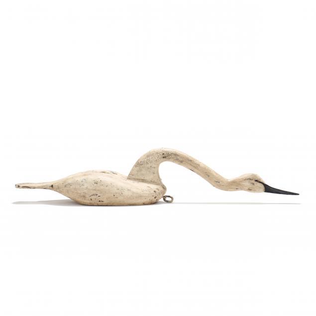 ronnie-wade-nc-b-1943-an-unusual-large-hissing-swan-decoy