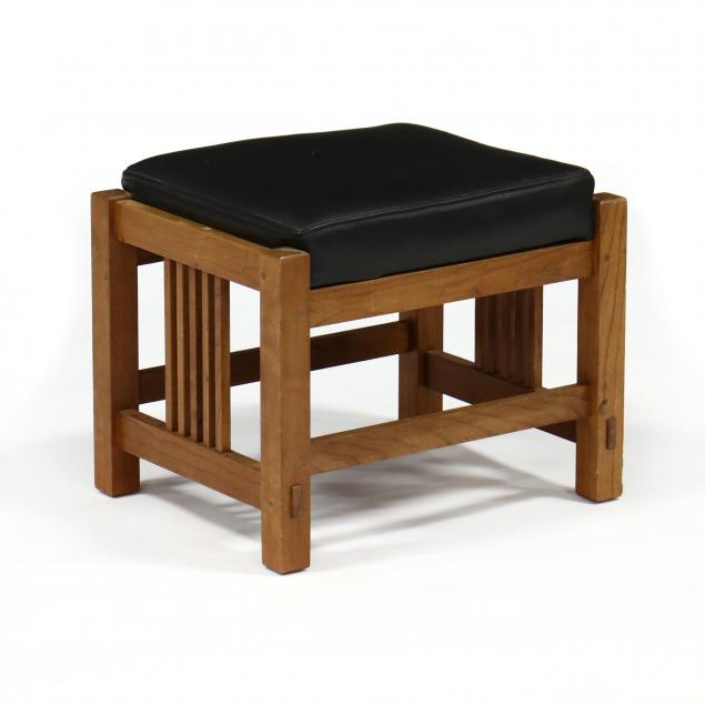 stickley-mission-cherry-and-leather-ottoman