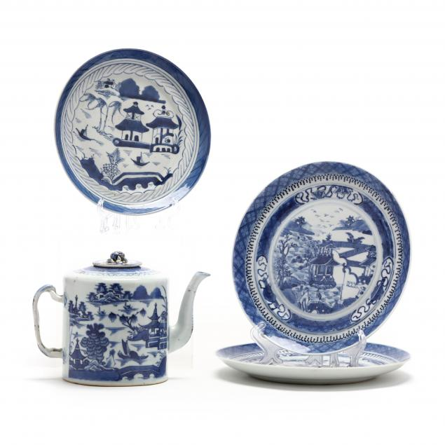 a-chinese-export-blue-and-white-canton-teapot-and-three-plates