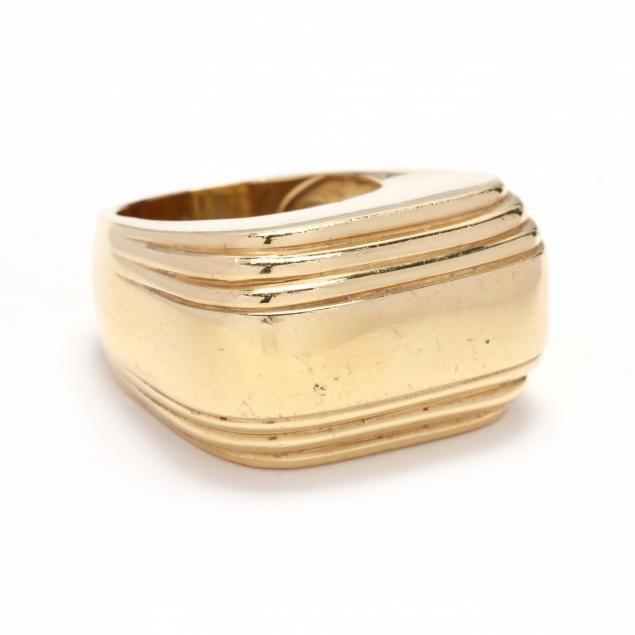a-wide-gold-ring