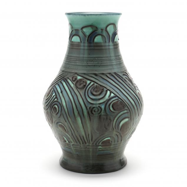 rookwood-pottery-carved-art-deco-vase