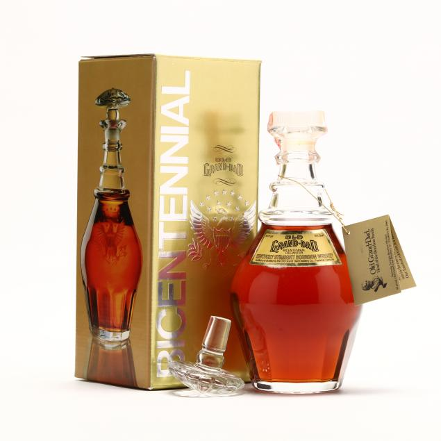 old-grand-dad-bourbon-whiskey-in-bicentennial-decanter