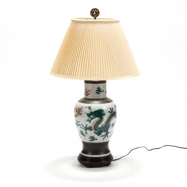 a-chinese-style-dragon-vase-lamp