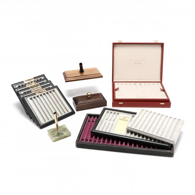 grouping-of-pen-trays-and-accessories