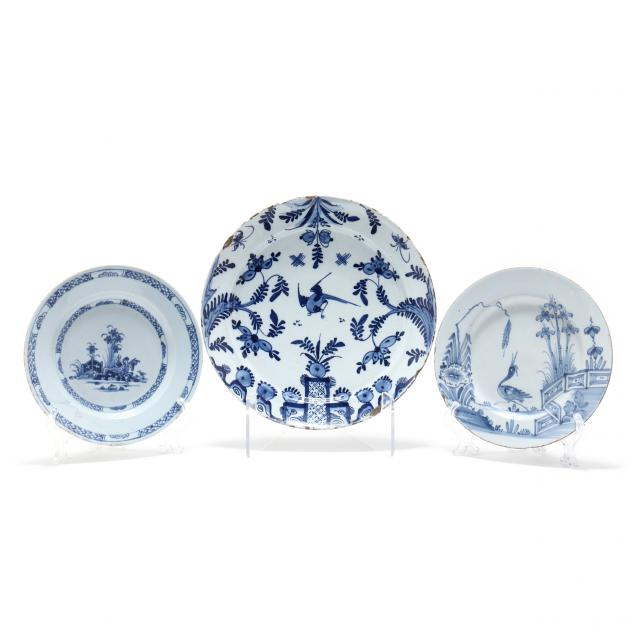 english-delft-charger-and-two-plates