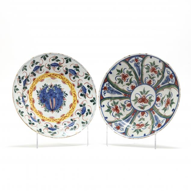 two-english-delft-polychrome-chargers
