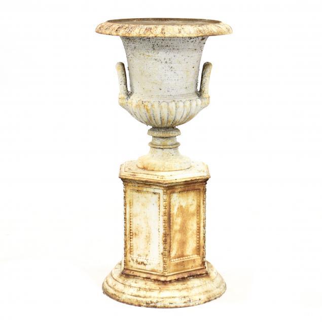 vintage-classical-style-garden-urn-on-pedestal