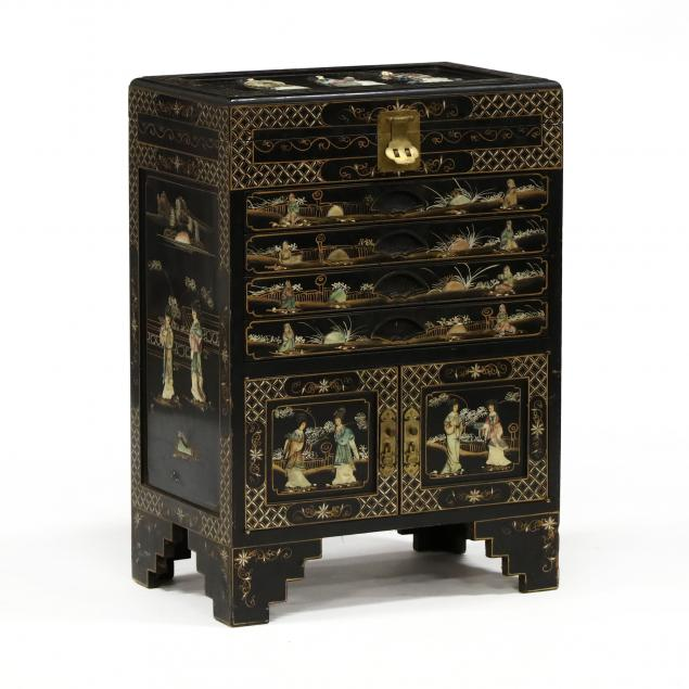 chinoiserie-decorated-silver-chest