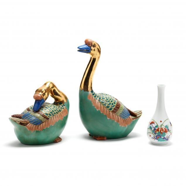 a-pair-of-contemporary-chinese-ducks-and-a-bud-vase