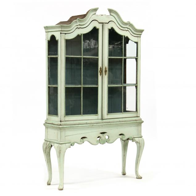 italian-rococo-revival-carved-and-painted-vitrine-on-stand
