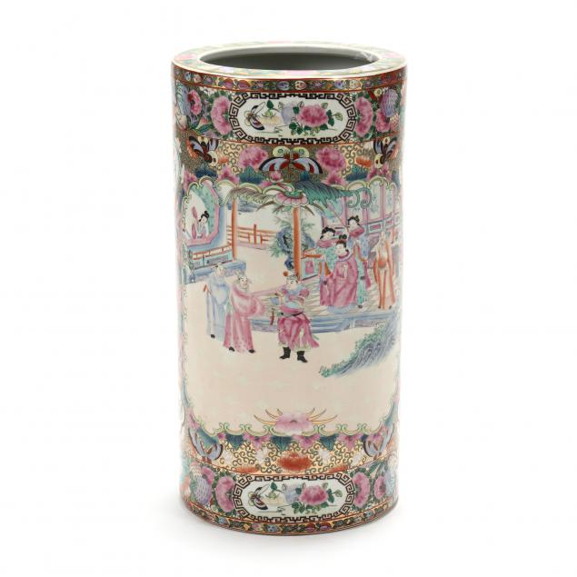 decorative-chinese-famille-rose-porcelain-umbrella-stand