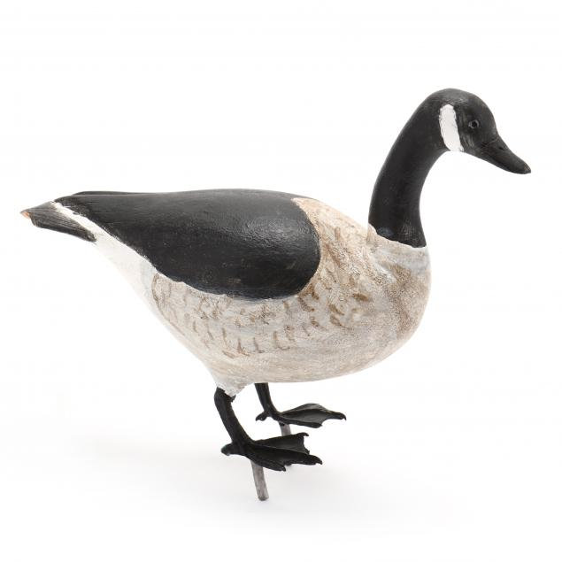 miniature-canada-goose-with-metal-feet