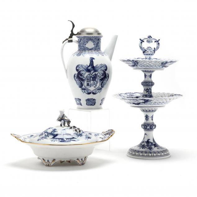 blue-and-white-meissen-collection-of-three-pieces