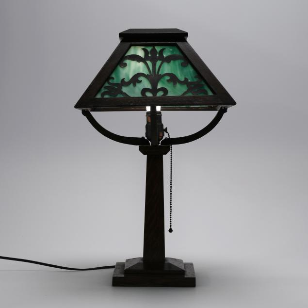 arts-and-crafts-oak-and-slag-glass-table-lamp