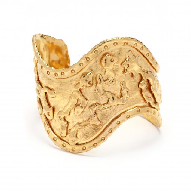 22kt-gold-sculptural-cuff-bracelet-jean-mahie