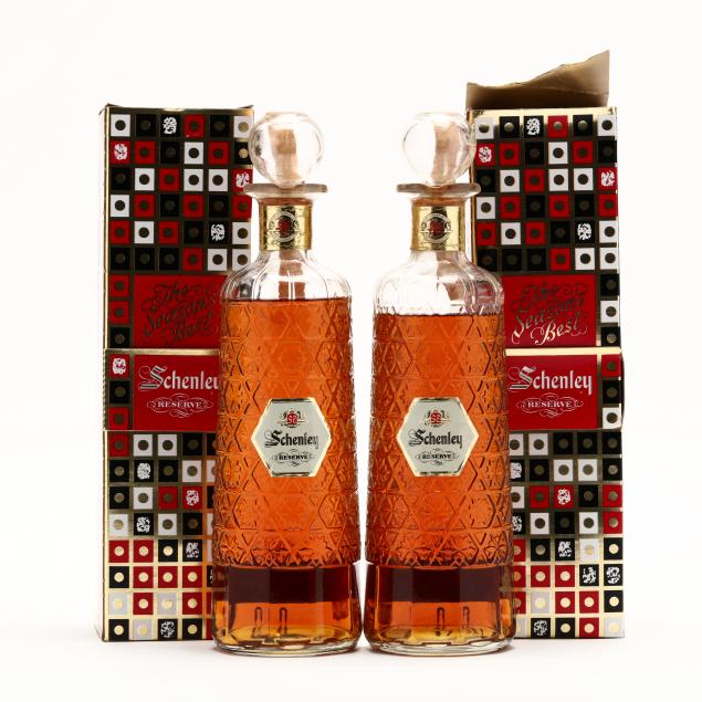schenley-reserve-blended-whisky-in-glass-decanters
