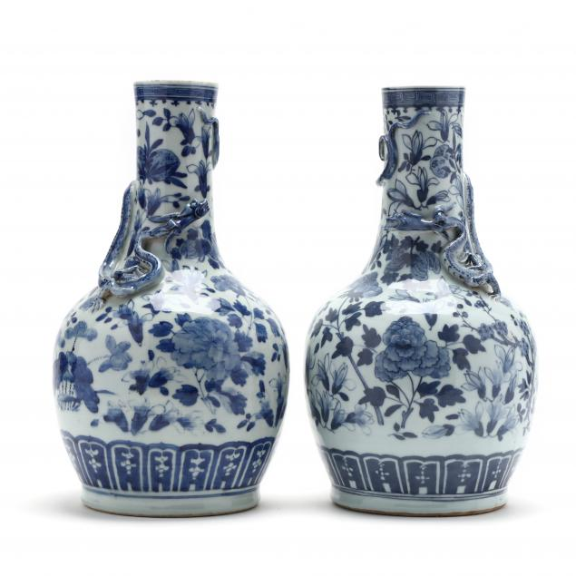 a-pair-of-chinese-blue-and-white-porcelain-vases