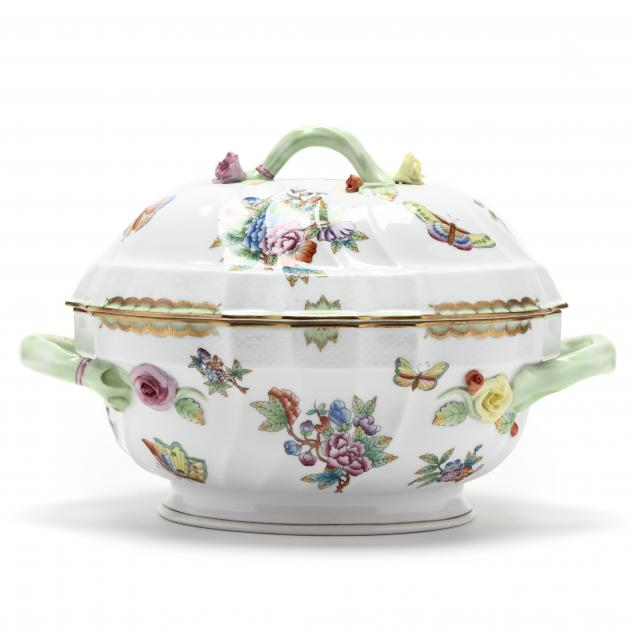 herend-i-queen-victoria-i-oblong-covered-serving-dish
