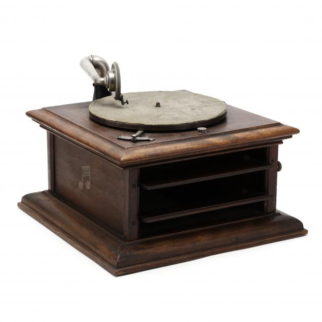 columbia-graphophone-with-internal-speaker