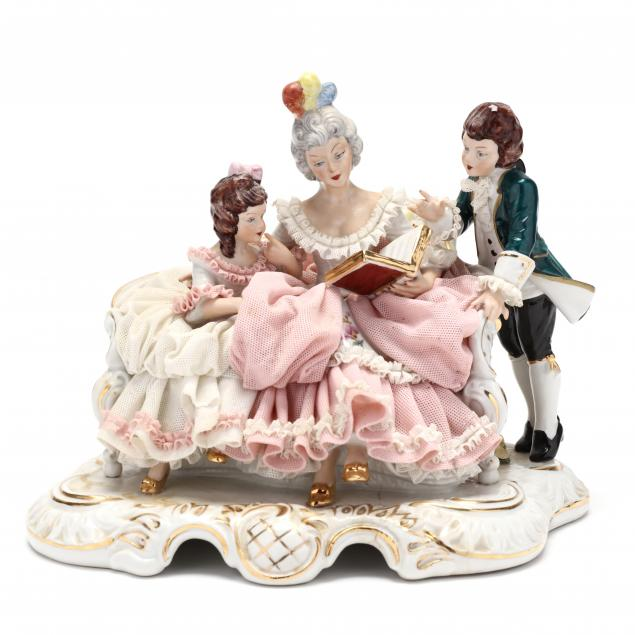 antique-dresden-lace-figurine