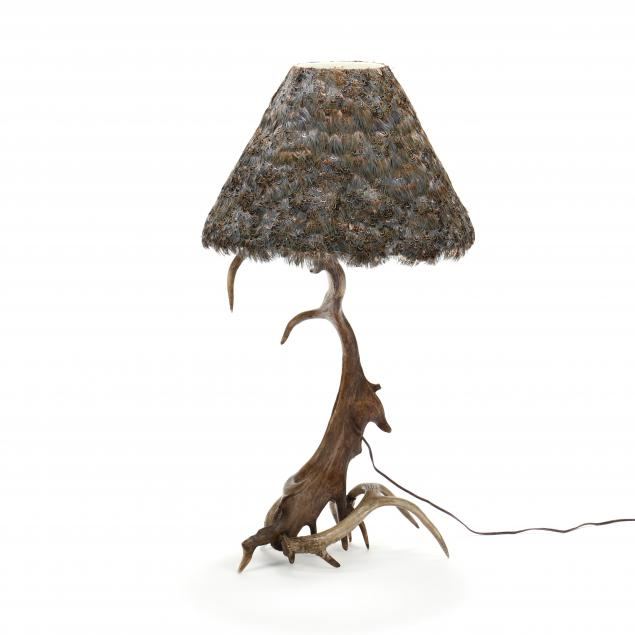 stacked-antler-table-lamp