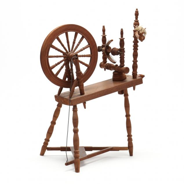 antique-miniature-spinning-wheel
