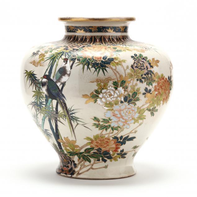a-large-japanese-satsuma-vase-by-chikusai