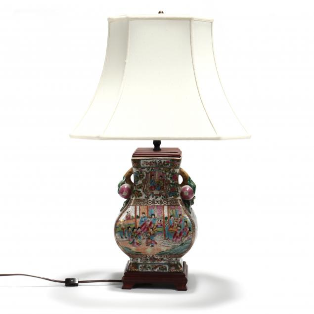 a-chinese-rose-medallion-i-hu-i-shaped-vase-lamp
