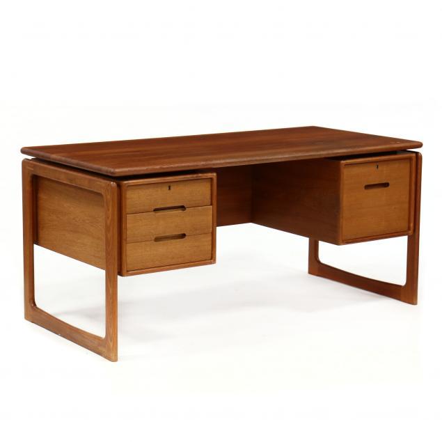 dyrlund-teak-executive-desk