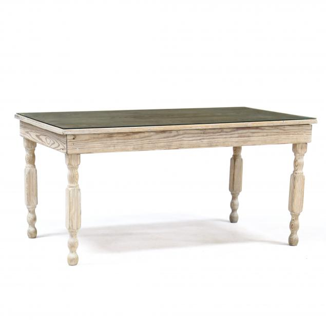 vintage-white-washed-southern-pine-farm-table