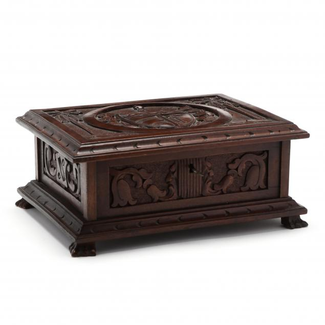 cuban-carved-mahogany-humidor
