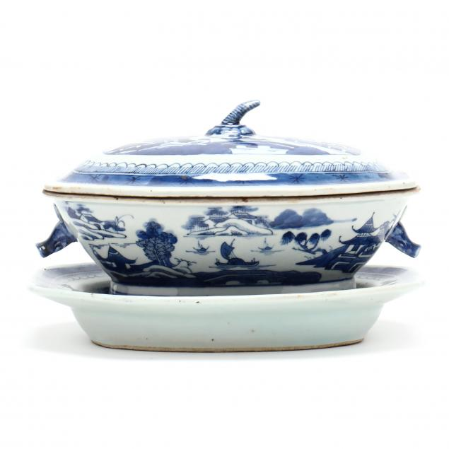 a-chinese-export-porcelain-canton-lidded-tureen-with-undertray