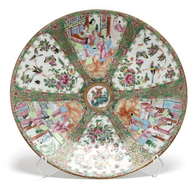 a-large-chinese-export-porcelain-rose-medallion-charger