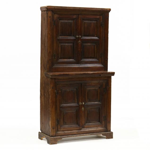 continental-pine-linen-fold-step-back-flatwall-cupboard