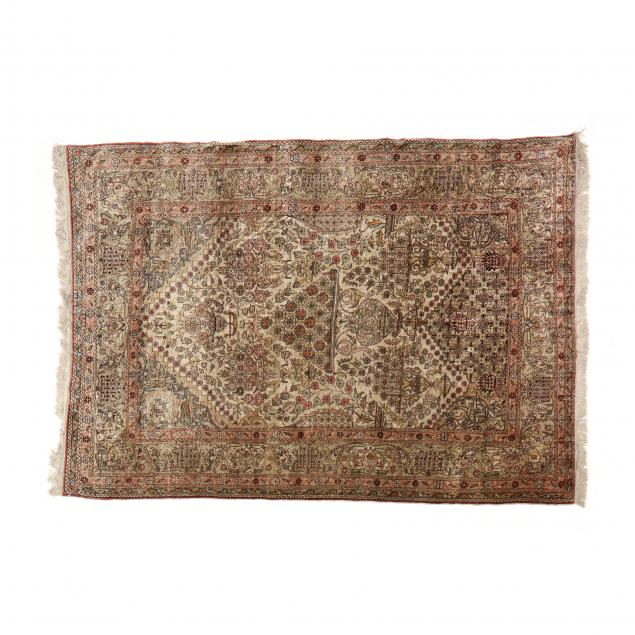 silk-prayer-rug