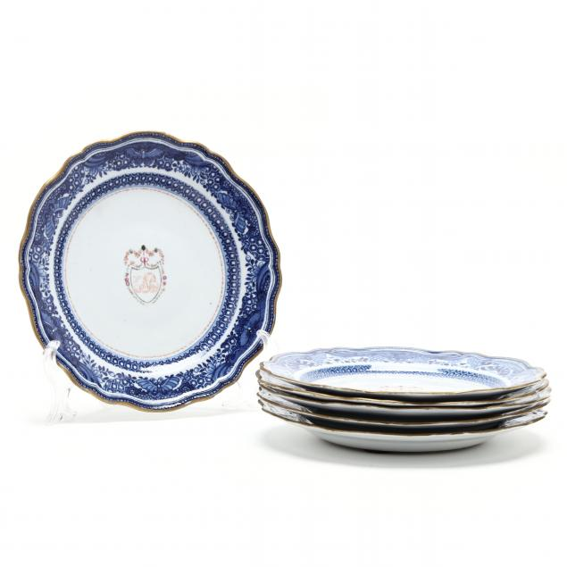 a-set-of-six-chinese-export-porcelain-armorial-crest-plates