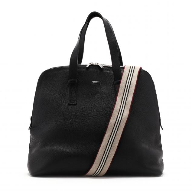 textured-leather-banner-tote-bag-burberry