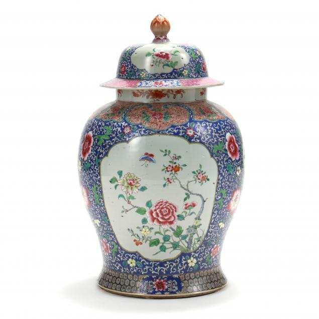 a-large-chinese-porcelain-temple-jar