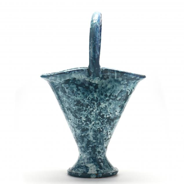 large-presentation-pottery-basket-nc