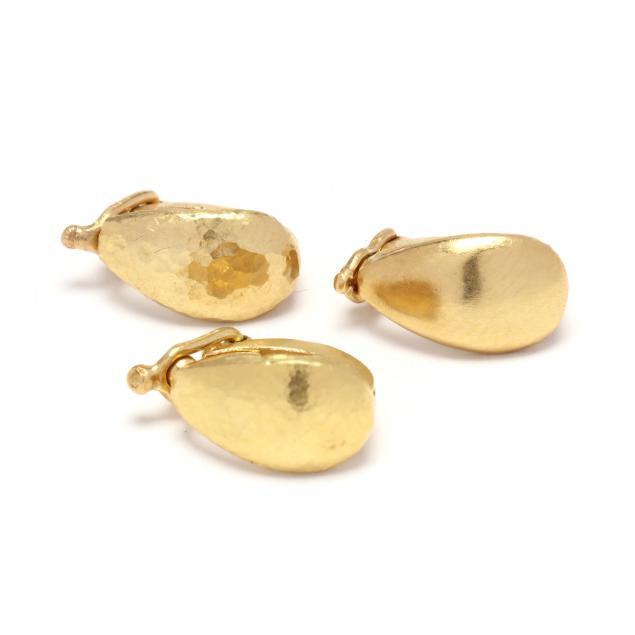 three-gold-bails-att-elizabeth-locke
