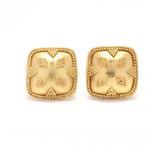 gold-stud-earrings-maya-niemans