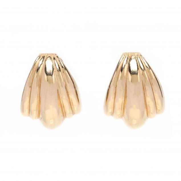 gold-earrings-maz