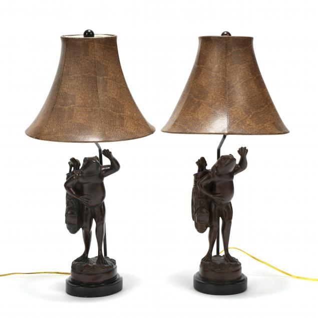 pair-of-decorative-frog-golfer-table-lamps