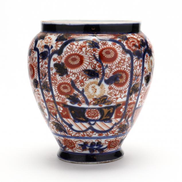 an-early-japanese-porcelain-imari-vase