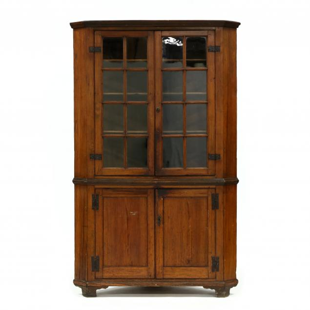 southern-chippendale-yellow-pine-corner-cupboard