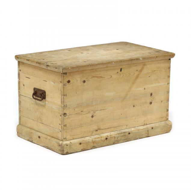 antique-continental-pine-blanket-chest